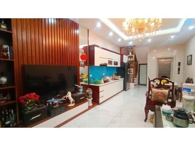 Bán nhanh nhà phố Kim Hoa, Cực đẹp, gần phố, 65m2, 6 tầng, thang máy nhập.