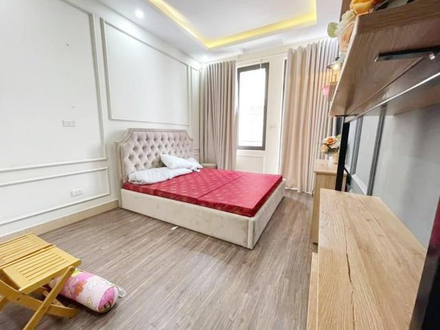 Hiếm Định Công Thượng, ôtô, 8 phòng ngủ, 45m2, giá chưa đến 4 tỷ. LH 0966456918.