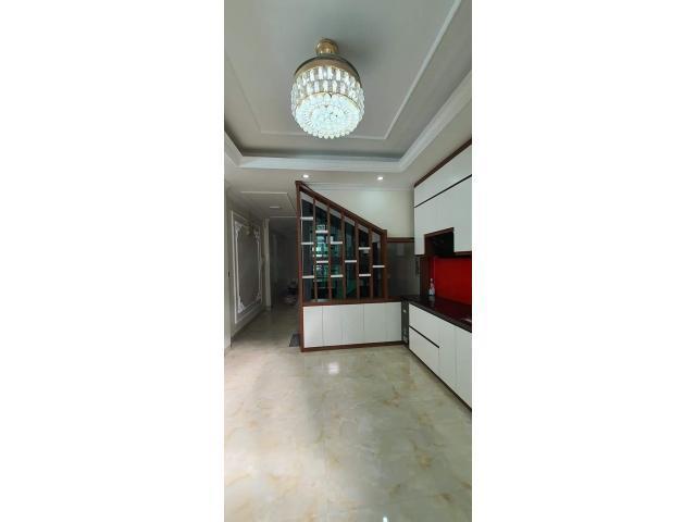 Nhà Bồ Đề , Long Biên, 6 tầng, thang máy, nội thất đỉnh