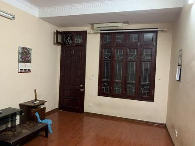 Cho thuê nhà nguyên căn ôtô đỗ cửa trong ngõ 67 Đường Phùng Khoang .